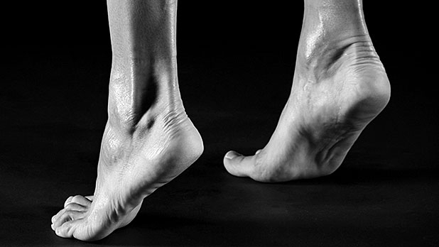 618_348_the-right-way-to-strengthen-your-feet