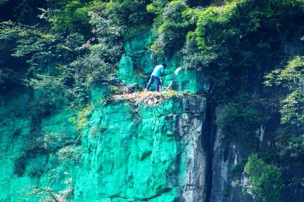 Pay-green-cliffs