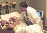 Viņš domāja, ka pēc 10 gadiem pamodies no komas… Bet ārsts viņu šokēja, izdarot ŠO!