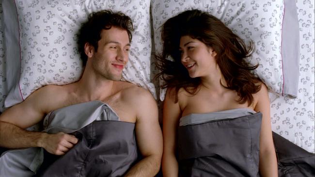 sealy-posturepedic-bed-couples-600-72999