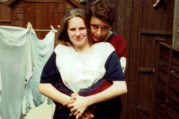 Sāra un Veins pusaudžu vecumā