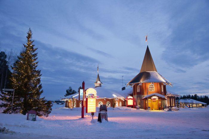 gallery-1481654991-hbu-lapland-santa-claus-village