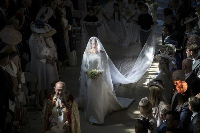 Kāpēc Meganas Mārklas kāzu kleita bija tik vienkārša, citi saka, pat prasta? Tam nav nekāda sakara ar gaumi!