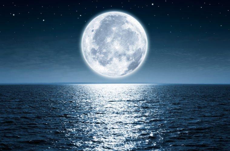 Ko katras stihijas Zodiaka zīmēm nav ieteicams darīt pilnmēness laikā? Atklāj astroloģe Polīna Sergejeva