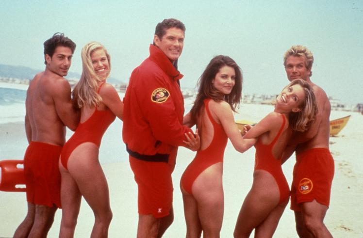 """Vai vēl atceries glābēju komandu no """"Pludmales patruļa""""? Lūk, kā viņi izskatās tagad!"""