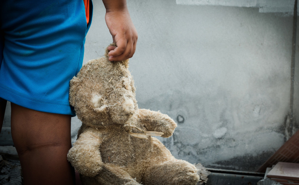 Rīgā pirmajā pusgadā no ģimenēm šķirti 53 bērni