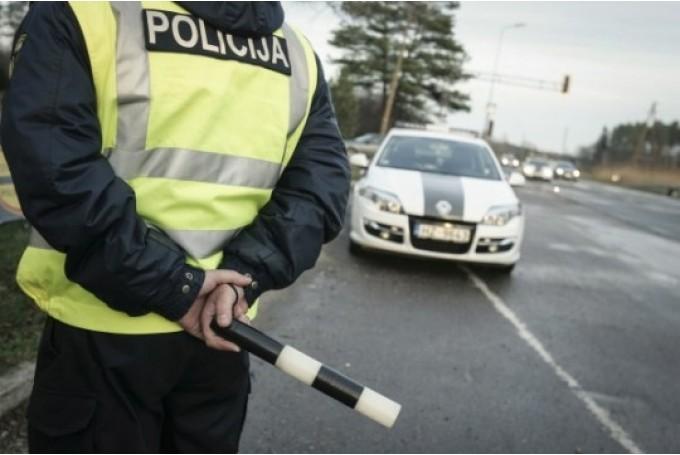 No rītdienas stājas spēkā jaunie sodi par pārkāpumiem ceļu satiksmē