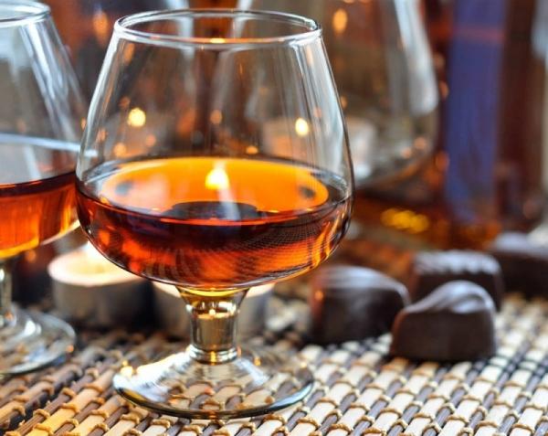 Ko nekādā gadījumā nevajag uzņemt kopā ar alkoholu?