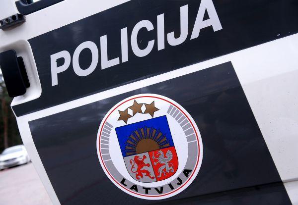 Valsts policija aicina atsaukties aculieciniekus ceļu satiksmes negadījumam Jūrmalā!