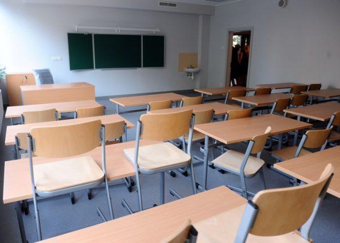 Reorganizēto un slēgto internātskolu pedagogu atlaišanas pabalstu izmaksai paredz 300 000 eiro
