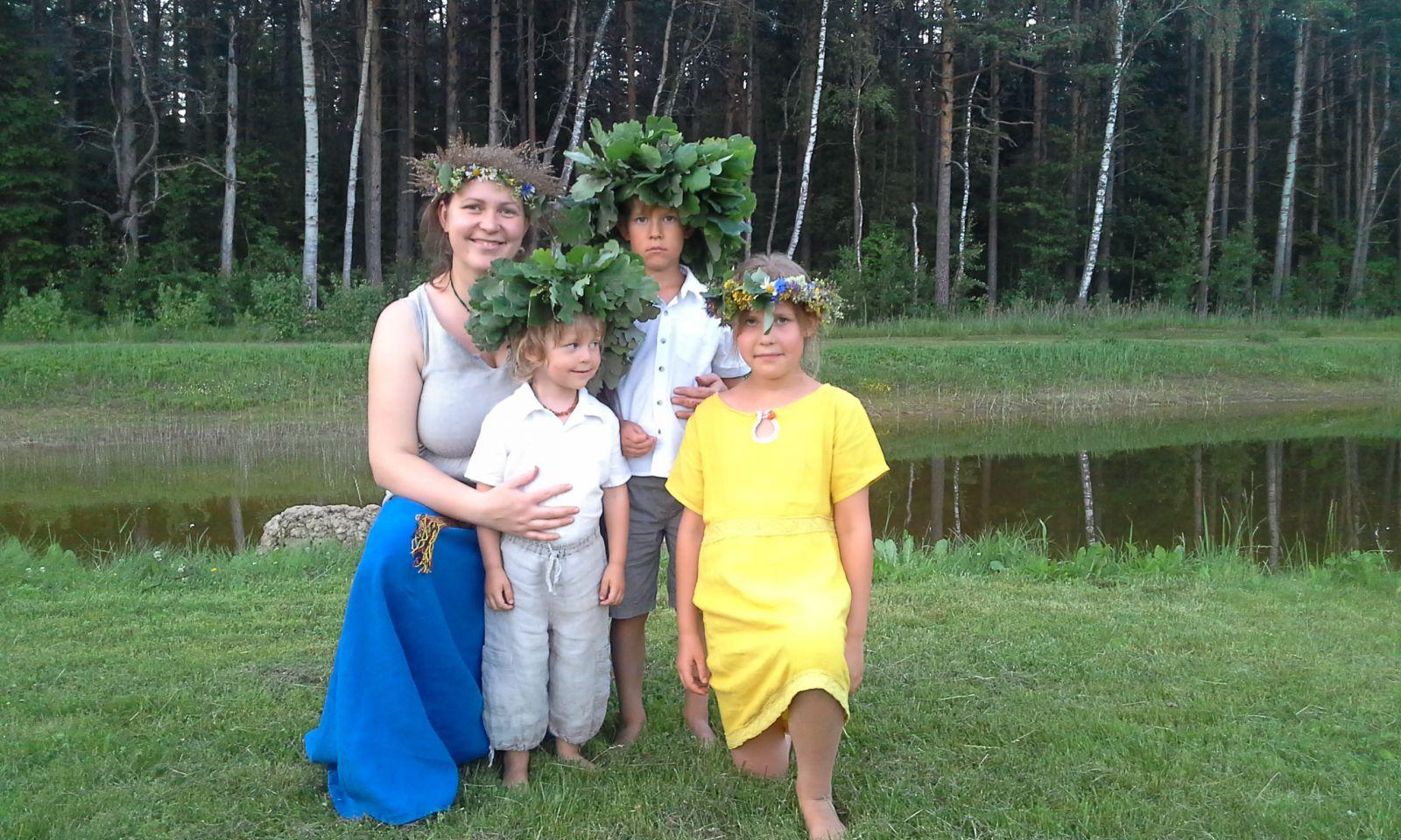 Iedzīvotājus un pašvaldības aicina izvirzīt godināšanai Latvijas kuplās ģimenes