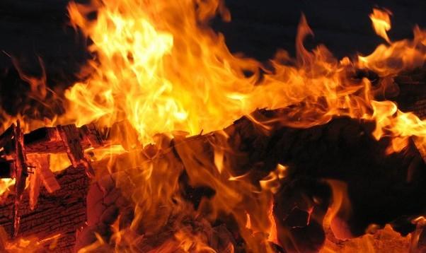 Vakar ugunsgrēkā Jelgavā cieta divi cilvēki