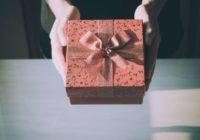 Šīs astoņas dāvanas nevajadzētu dāvināt vīrietim, jo var piesaukt nelaimes; Ar ietikumiem, ko vajadzētu dāvināt