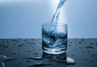 Kas ar TEVI notiks, ja visus dzērienus aizstāsi ar ūdeni – pārmaiņas ir apbrīnojamas