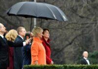 Latvijas prezidenta sieva Iveta Vējone nodemonstrē perfekta stila paraugstundu vizītē Vācijā – sajūsmā pat vācieši