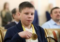 14 gadus vecais Aleksejs ar traktoru izglāba visu ciemu no ugunsgrēka