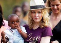 Kā šodien izskatās zēns, kuru Madonna adoptēja pirms 14 gadiem