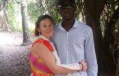 Jauna Gambijas puiša dēļ šī 44 gadus veca sieviete atstāja vīru un 9 bērnus; Kā pēc gadiem mainījusies viņas dzīve