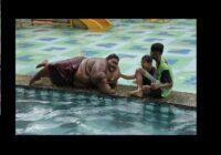 """Zēns no Indonēzijas """"nometa"""" 190 kg liekā svara un kļuvis par skaistu vīrieti"""